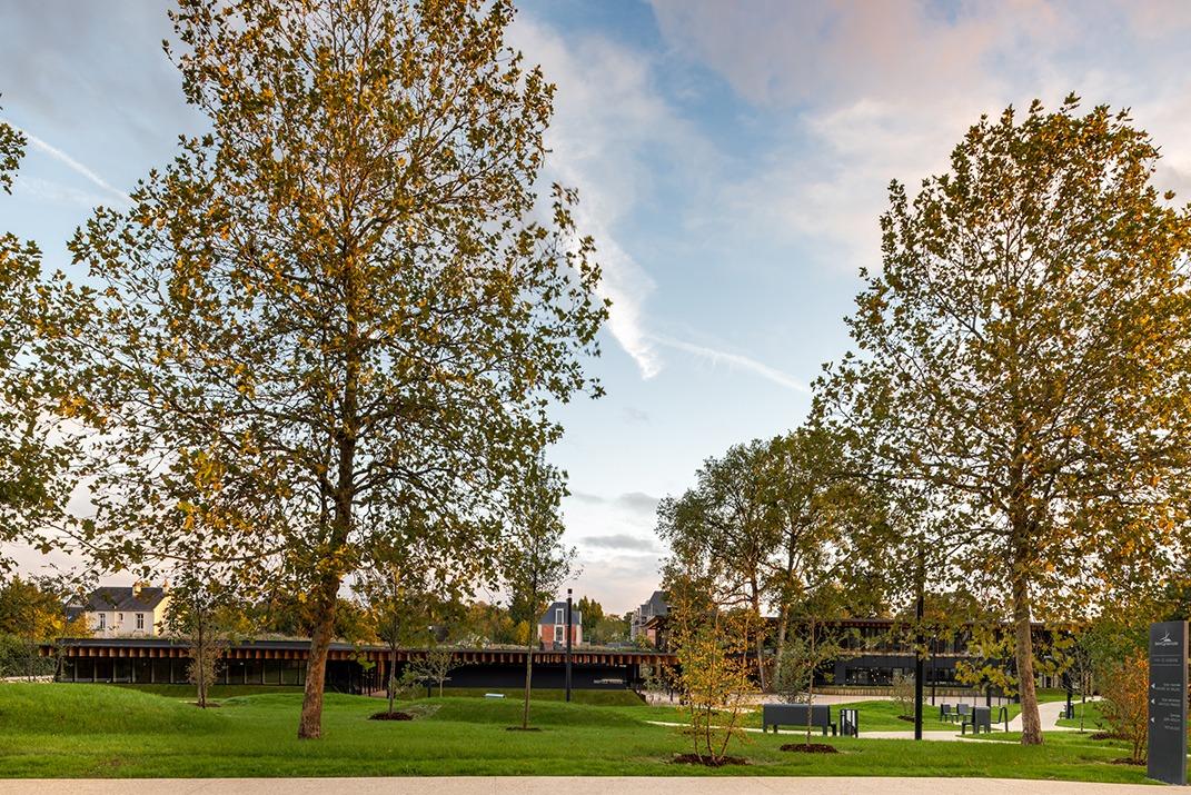 Saint-Cyr-sur-Loire : Groupe scolaire